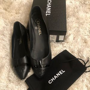 Chanel Leather Pointed Toe CC Ballet Flats